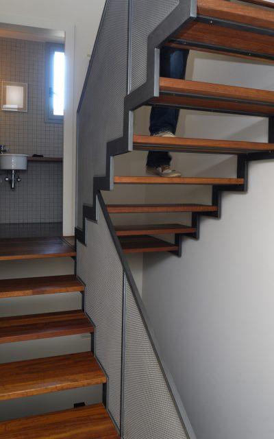 Paslaugos, Laiptai